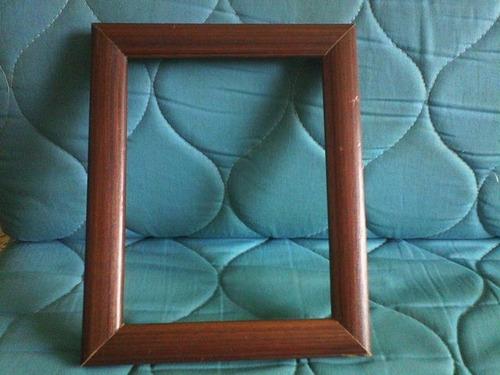 marco cañuela de madera para cuadro de 14,5 x 19 cms.