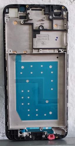 marco con bisel y adhesivo huawei y6 2018 atu-lx3 telcel