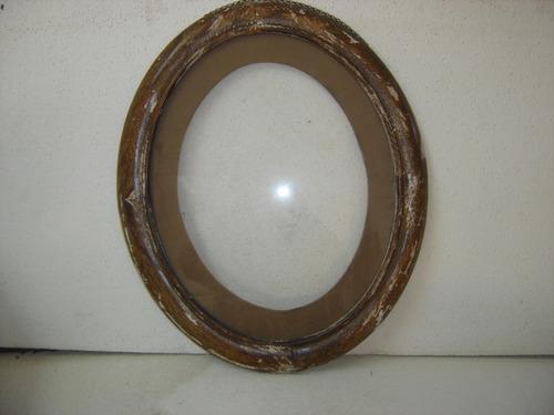 marco de madera ovalado