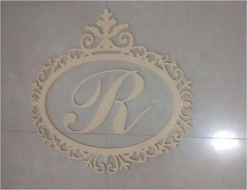 marco decorativo de 75cm con una letra en mdf crudo