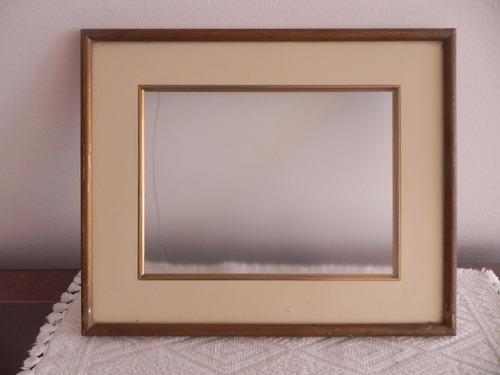 marco dorado con crema-  36 cm x 29 cm