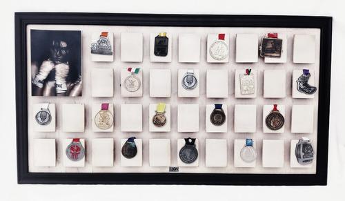 marco porta medalla para 36 piezas con foto