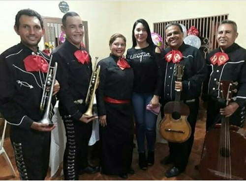 mariachi tequila show