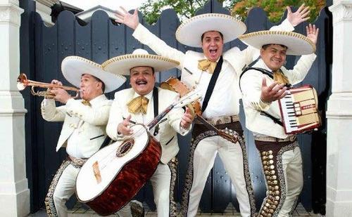 mariachis a 25.000 serenatas
