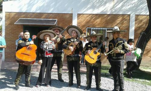 mariachis aguilas