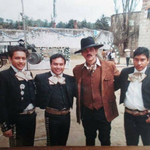 mariachis economicos enneza,edo.mex,df. y piñatas económicas