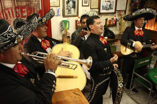 mariachis mexicanos,tematica coco, mariachis animació