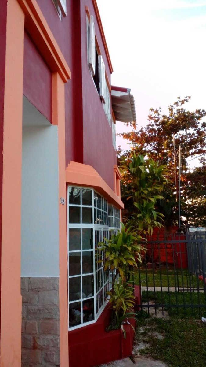 mariano r. alonso chalet c/2 duplex de categoría u$s 96.000.