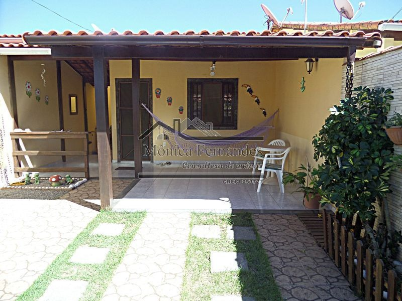 maricá,casa c/3 qtos,área de lazer completa perto da praia .