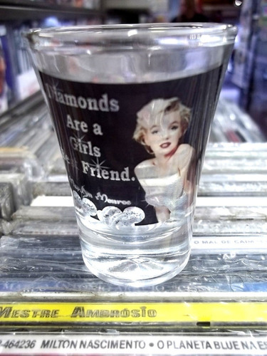 marilyn monroe lindo copo cachaça artesanal vidro frete 12,0