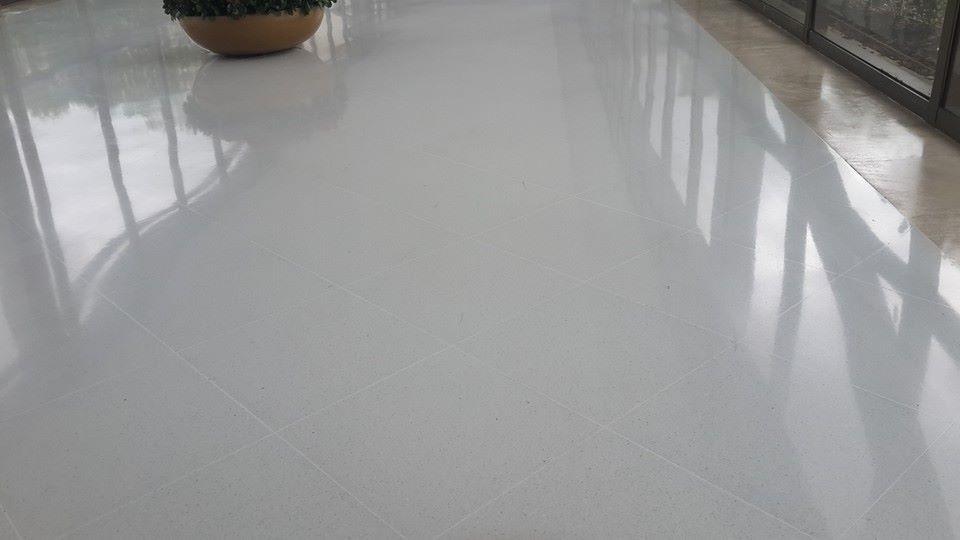 Marmol blanco m2 select residencial for Marmol para pisos