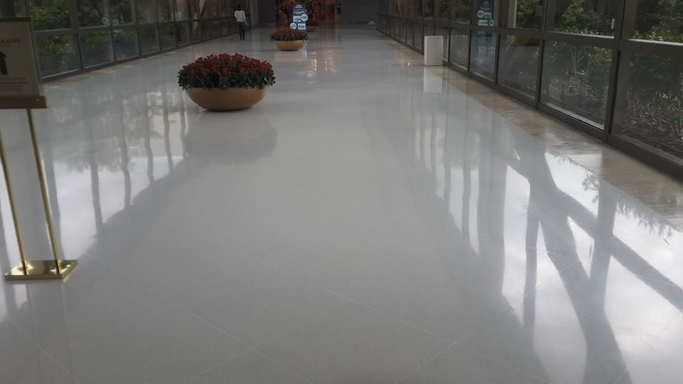 marmol blanco 40x40 inova m2 super brilloso On piso marmol blanco