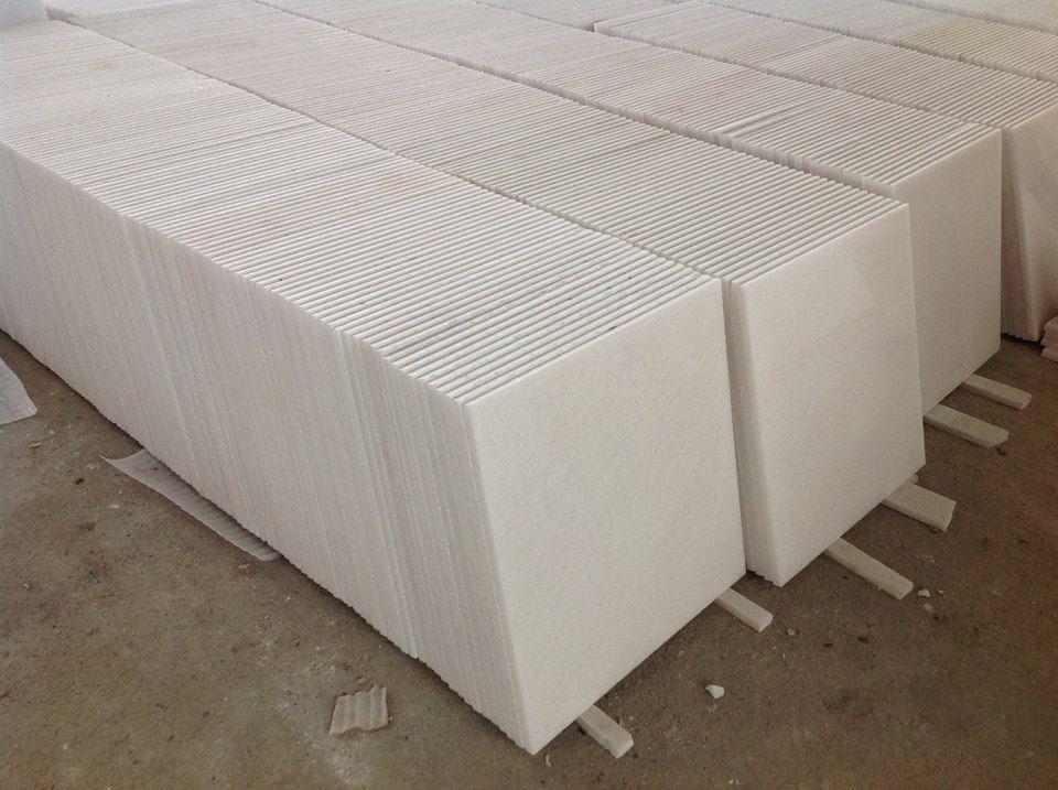 Marmol blanco 40x40 inova m2 super brilloso for Marmol precio m2
