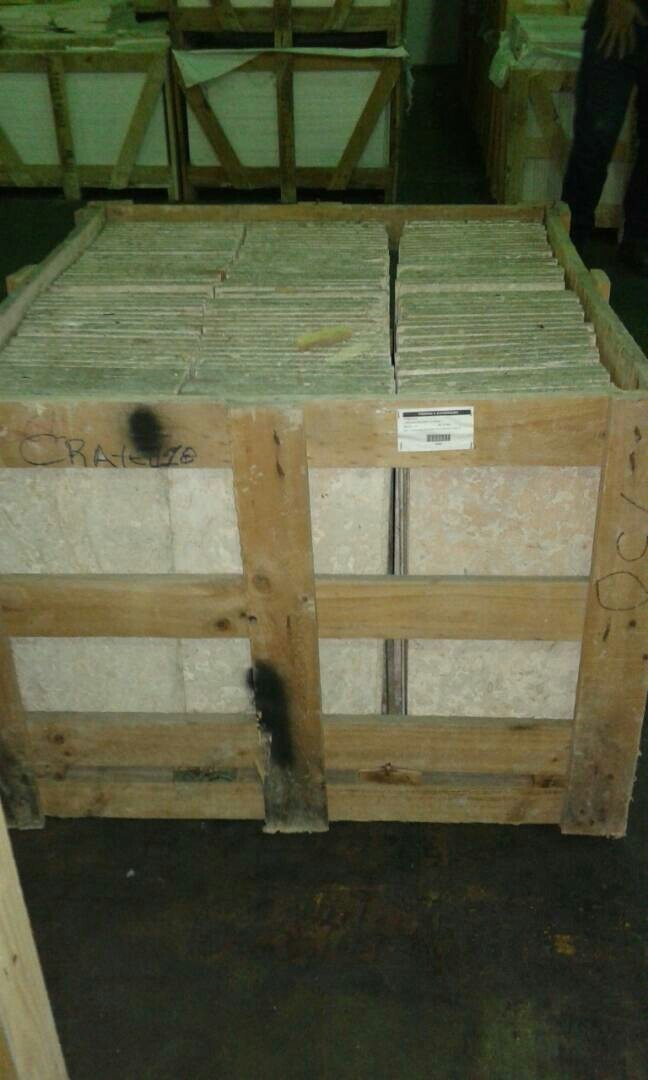 Marmol crema marfil coralina travertino granitos bs for Marmol travertino nacional