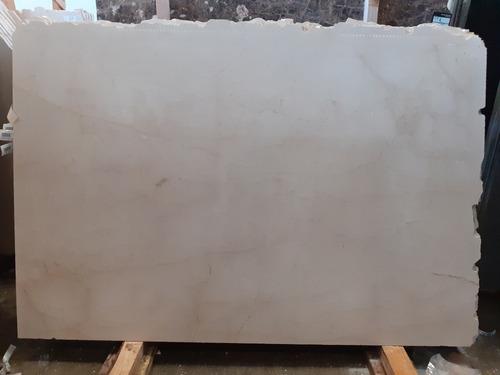 mármol crema marfil rustico y pulido en baldosas y laminas