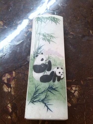 marmol pintado a mano con osos panda