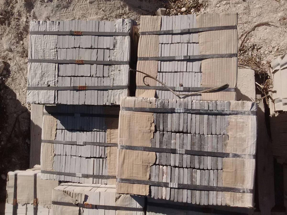 M rmol tomboleado oscuro 10x10 en mercado libre for Marmol gris oscuro