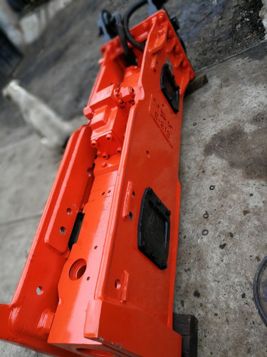martillo hidraulico npk e213 para excavadoras de 325 a 330cl
