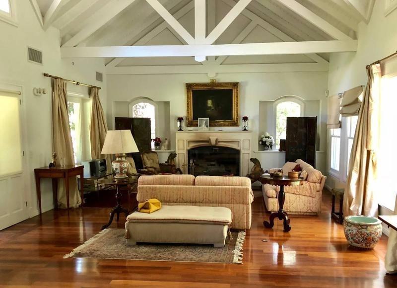 martindale c.c, muy buena casa de estilo clásico e impecable construcción