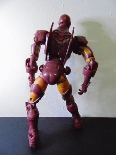 marvel legends boneco