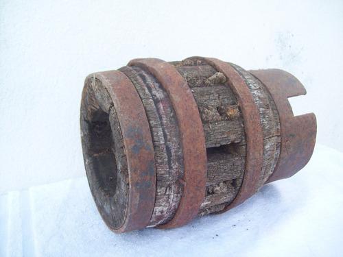 masa de rueda de carro carreta antigua