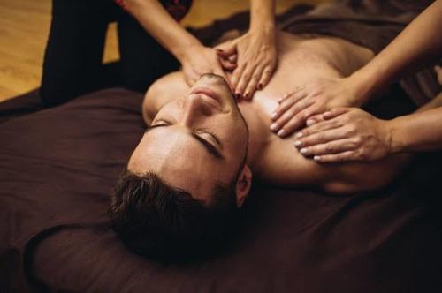 masajes  relajantes travesti de closet de 20 años