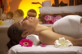 masajes relajantes y holísticos para mujeres.