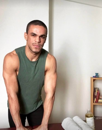 masajista profesional brasileño masculino (varones)