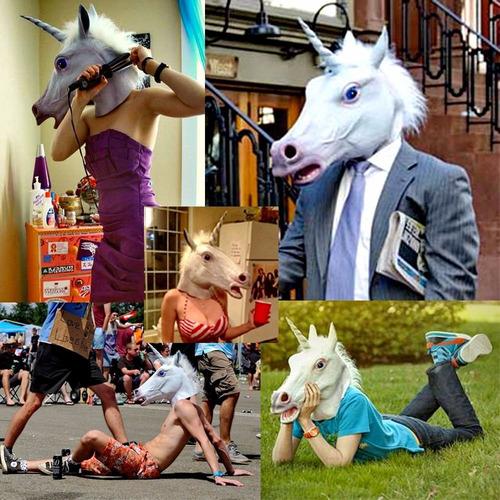 máscara cabeça de cavalo branco chifre unicórnio