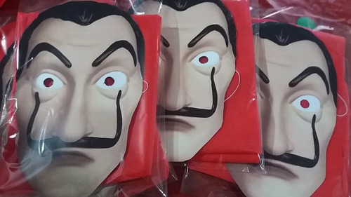 mascara careta y capucha la casa de papel carnaval carioca