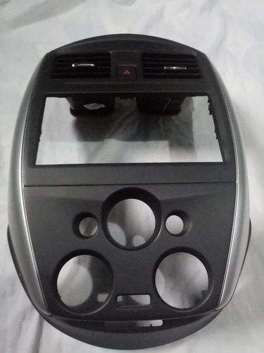 máscara consola tablero auto-estereo nissan versa 2019