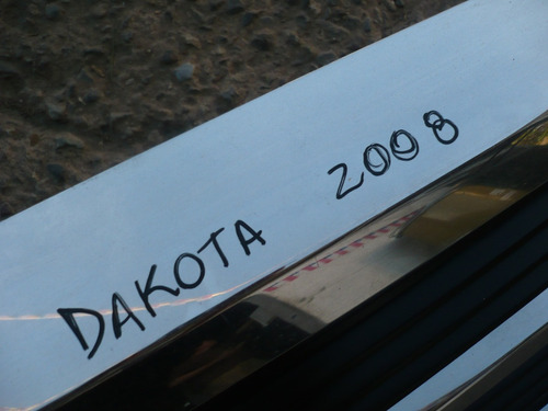 mascara dakota 2008 c/detalle - lea descripcion