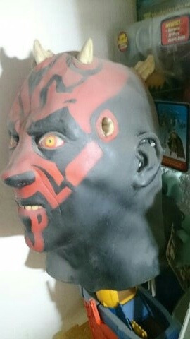 máscara de darth maul star wars
