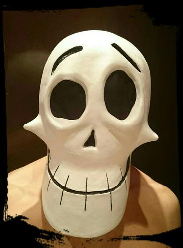 máscara de látex de puro hueso