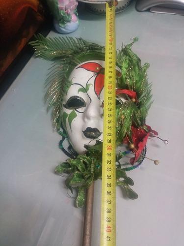 mascara de mano de arlequin marca burica