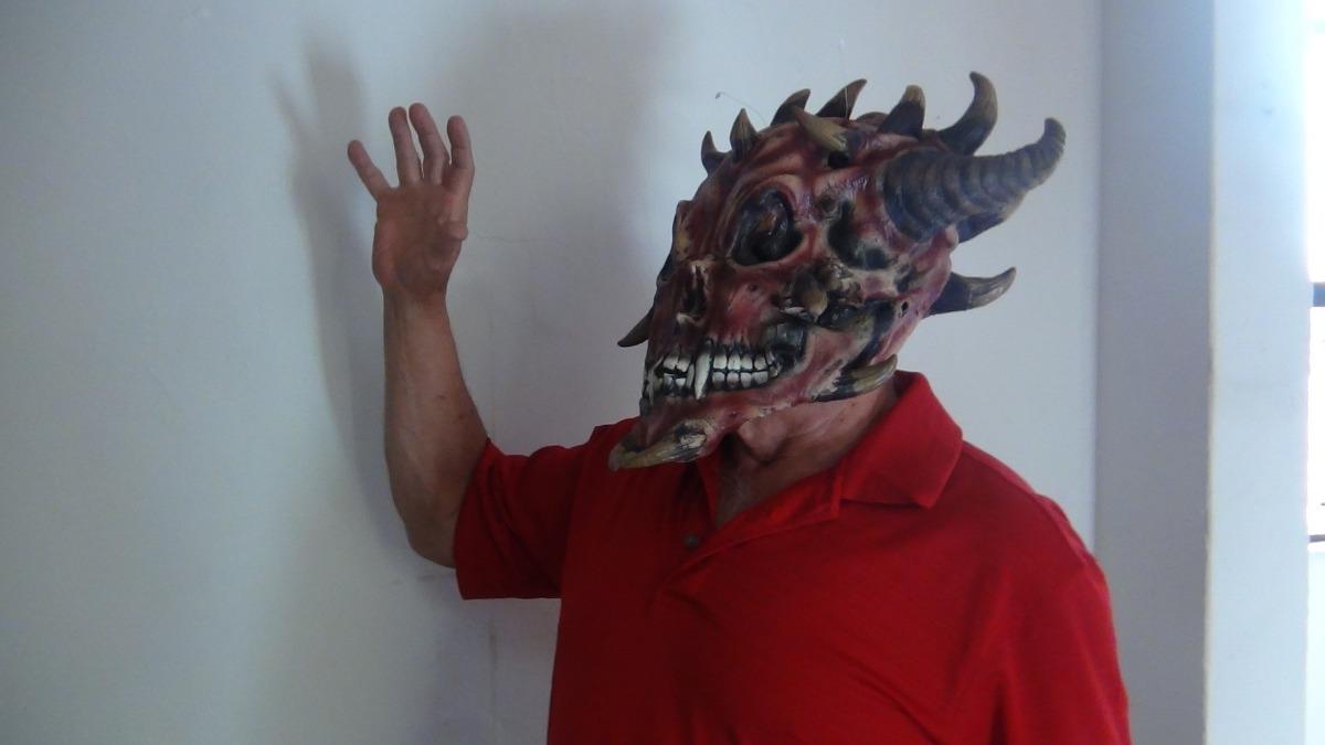 Las máscaras para la persona con el eucaliptol