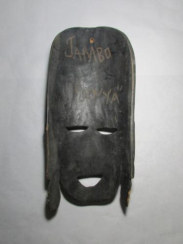 máscara tallada de madera jambo kenya africa.