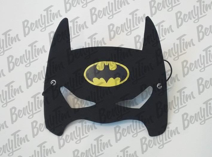 Las máscaras activas para la persona de los puntos negros