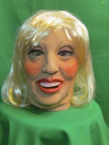 mascaras en látex - maria julia muñoz.