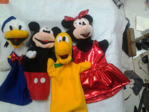 mascaras y disfraces, muppets y peluches