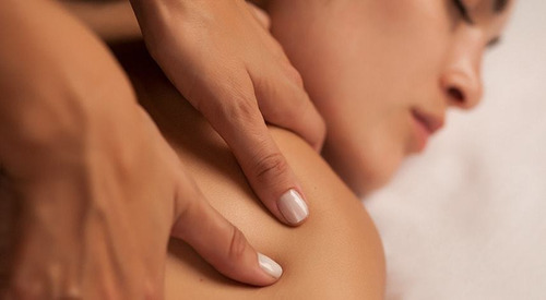 masoterapia. masajes que prometen un descanso profundo.