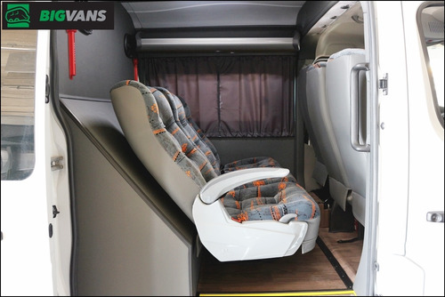 master 2020 l3h2 0km cabine dupla mista 6 passageiros branca