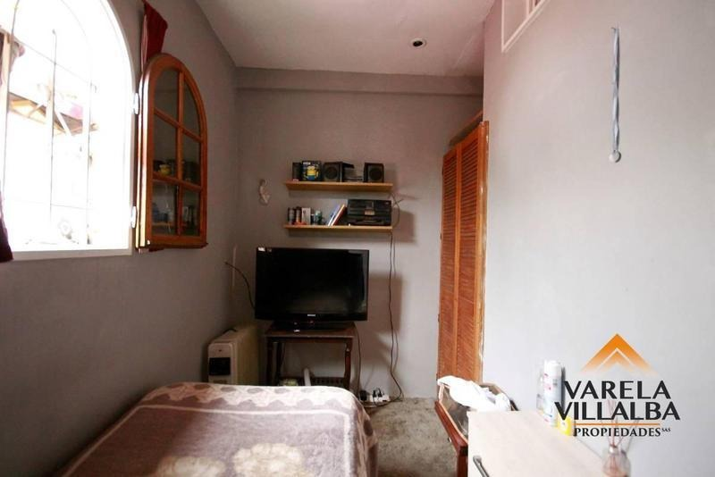 mataderos, albariño 2603: casa 3amb.   entrepiso   terraza   azotea