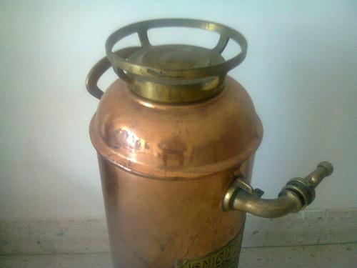 matafuego antiguo de cobre y bronce