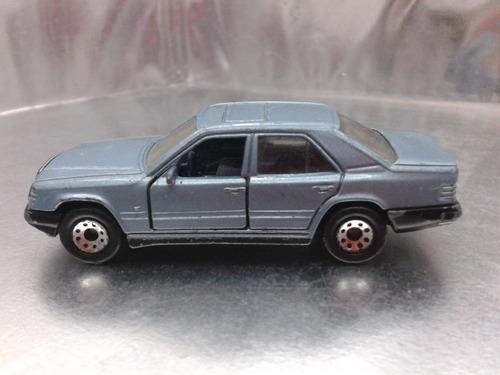matchbox - mercedes benz 300e  de 1986 m.i. macau
