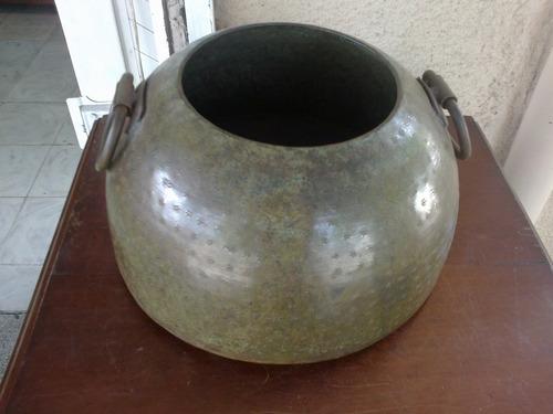 matera antigua indu en hierro martillado