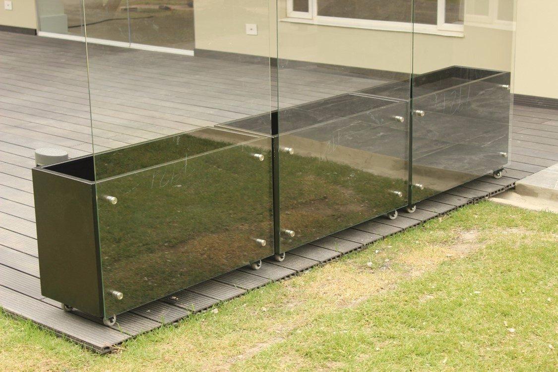 Materas macetas metalicas para terrazas y cerramientos for Terrazas metalicas