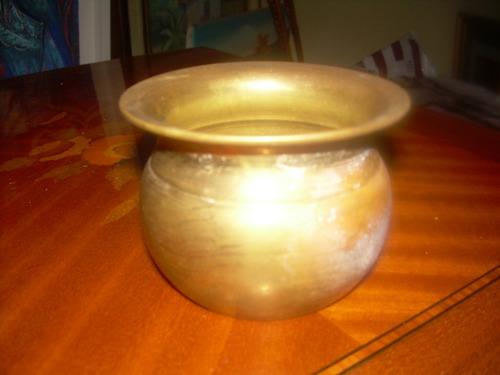 matero de bronce antiguo redondo en muy buen estado de muy b