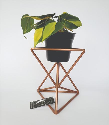 matero prisma cobre con planta
