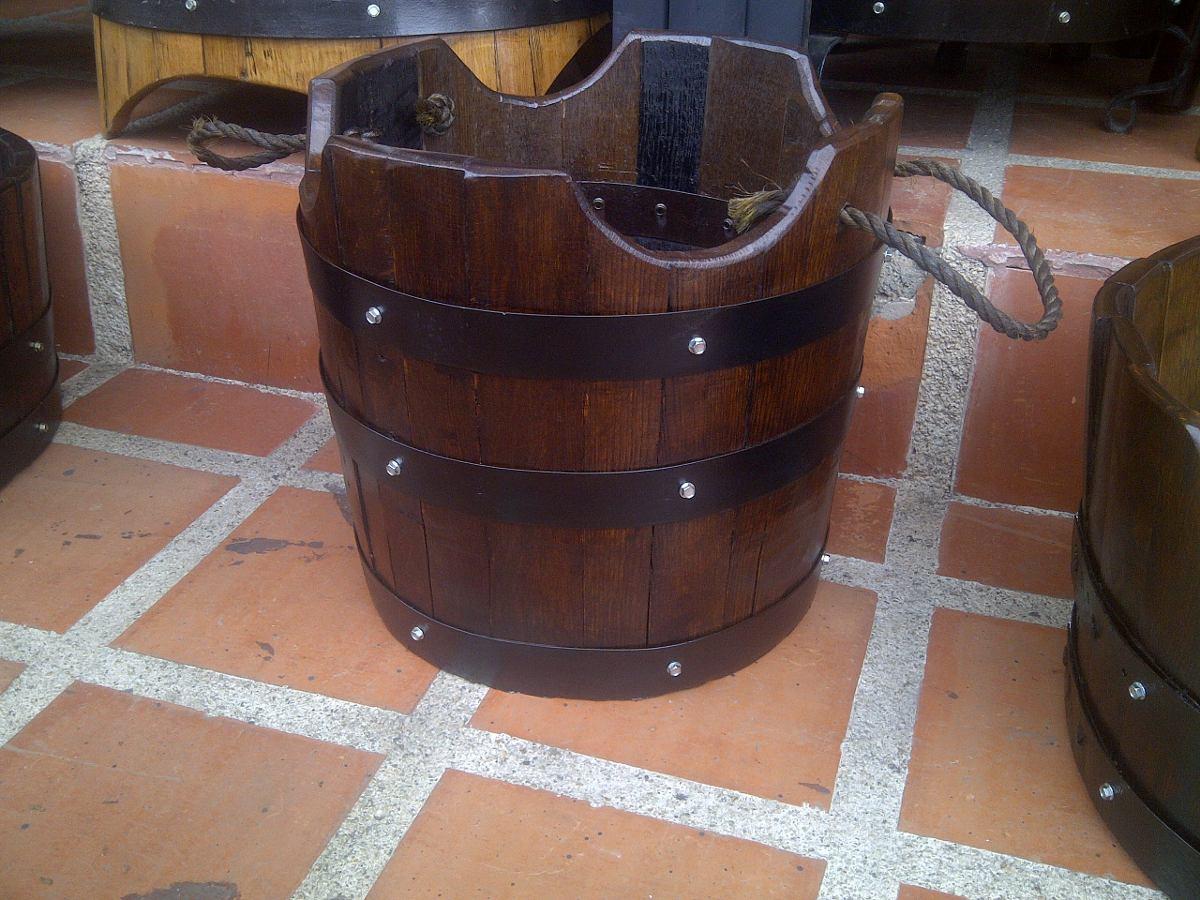 Materos o maceteros en madera de barril o barricas de roble bs en mercado libre - Maceteros de madera baratos ...